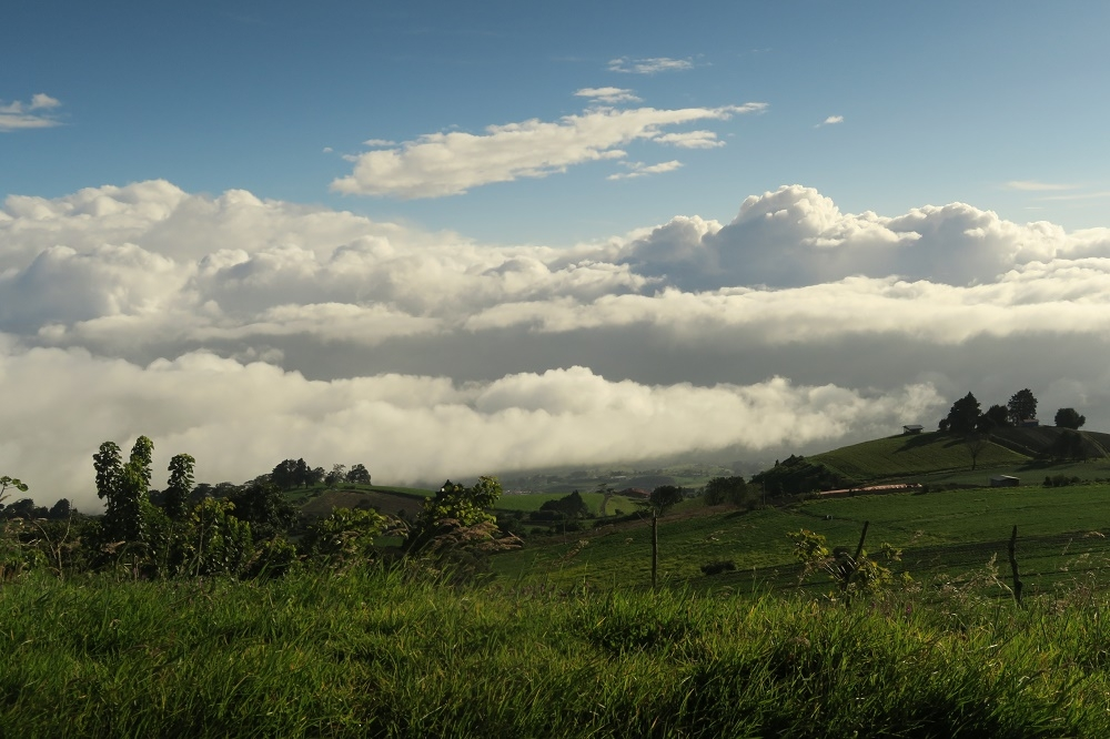 Nuages, volcans et rafting à Turrialba