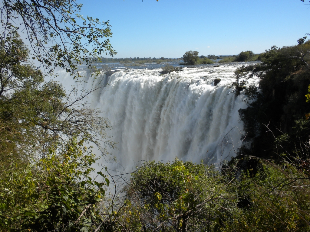 Livingston: les chutes Victoria du coté de la Zambie