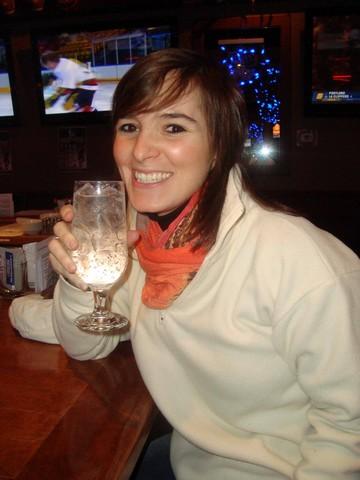Petit verre dans un des nombreux cafés de Montréal